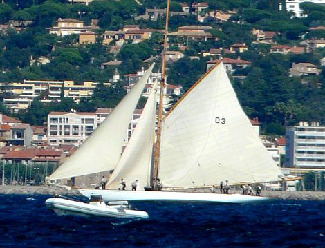 International offshore racing yacht tradition