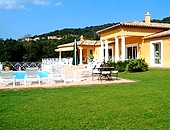 Booking bed and breakfast LA TARENTANE grimaud