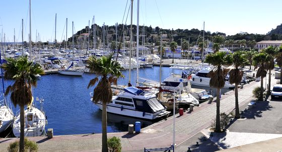 Booking cavalaire sur mer hotel cavalaire camping sites for Camping cavalaire sur mer avec piscine